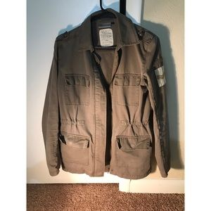 Very cool, military style jacket!